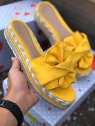 Sandálias tratoradas