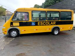 Micro ônibus impecável interesse ligar troca menor valor
