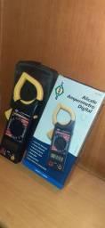 Alicate amperímetro digital AC