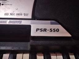 Teclado Yamaha PSR- 550