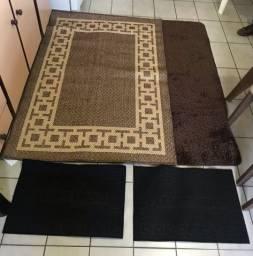 Tapetes . Jogo com 2 tapetes 1x1,5cm e 2 capachos. Novos