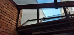 cobertura de vidro e telha