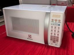 Microondas Eletrolux novinho