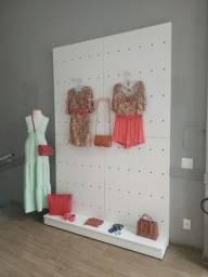 Título do anúncio: Móveis para loja - painel de parede em madeira