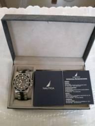 Título do anúncio: Relógio Nautica modelo A37507G, original.
