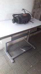 Título do anúncio: mesa com motor para maquina de costura overlock