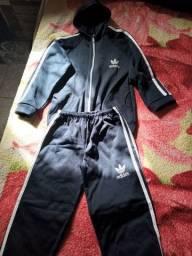 Conjunto Infantil Adidas, número 10