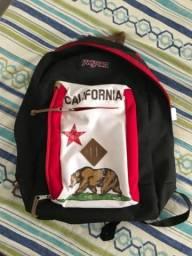 Título do anúncio: Mochila Jansport Reilly Red New California Republic original