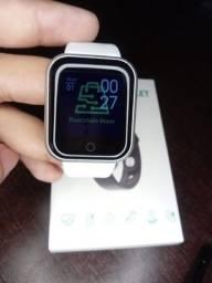 Smartwatch y68 Branco/ Preto Novo