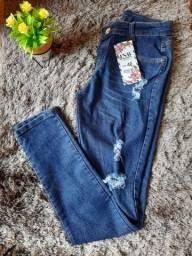 Calças jeans femininas  35 reais cada