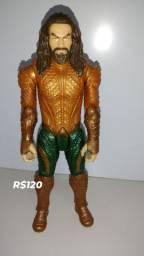 Boneco Aquaman 30cm