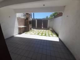 Título do anúncio: Casa com 3 dormitórios à venda, 150 m² por R$ 150.000,00 - Iguape - Aquiraz/CE