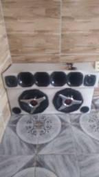 Caixa de som com 2 alto falantes de 12 da Buster e uma fonte de 40 A da Stetson