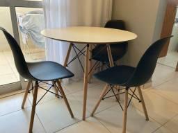 Título do anúncio: Mesa redonda 90cm+ 4 cadeiras