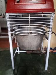 Mexedeira de coxinha