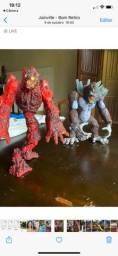 Vendo brinquedo gorila e monstro de lava
