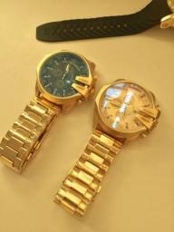 Título do anúncio: Relógio Diesel dourado