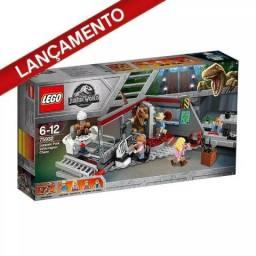 Perseguição de Raptor no Parque - Lego