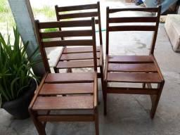 4 cadeiras de madeira!