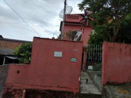 Vendo uma casa no bairro Santa Teresa