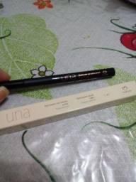 Delineador em caneta preto