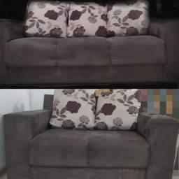 Vendo sofá de 2 e 3 lugares + pufe da cor do sofa