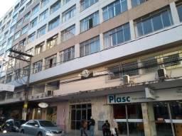 Apartamento com 1 dormitório para alugar, 60 m² por R$ 690,00/mês - Centro - Juiz de Fora/