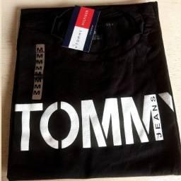 Promoção de camisas masculinas