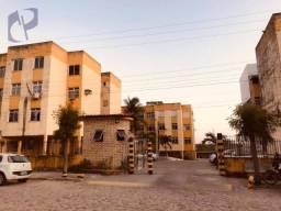 Apartamento com 3 dormitórios para alugar, 90 m² por R$ 650,00/mês - Edson Queiroz - Forta