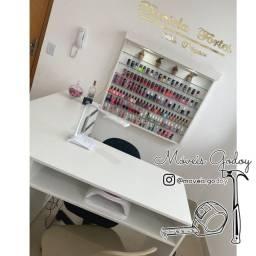 Conjunto Mesa atendimento manicure nail design e expositor esmalte