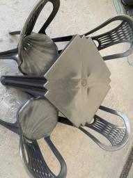 Título do anúncio: Venha já comprar no atacado mesa e cadeira plástica nova cor preta