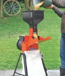 Vendo Trituradora Forrageira nova na caixa!!! Por apenas 1000 reais!!!