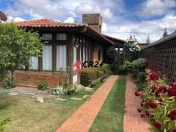 A CR2+ vende casa em excelente condomínio, oportunidade única, agende sua visita!