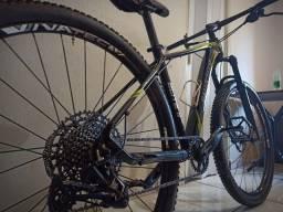 Vende-se Mountain bike Aro 29 Seminova + BRINDE