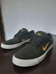 Tênis Nike SB verde militar