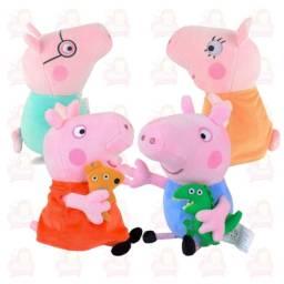 Família da Peppa Pig completa com 4 personagens