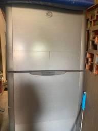 Título do anúncio: Vendo 2 geladeiras