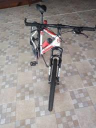 Bicicleta aro 26 Alfameq praticamente nova!