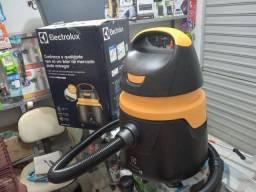 Título do anúncio: Aspirador de pó e líquido Electrolux.
