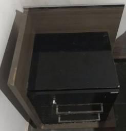 Vendo mesa de cabeceira/criado-mudo, usada