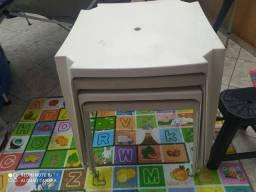 Jogo mesas com cadeiras