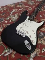"Guitarra Stratocaster - ""since 1985"" Memphis/Tagima"
