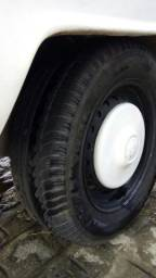 Vendo Kombi 96, em dia bancos cobertos 4 pneus novos, motor e caixa zero, gnv regularizado - 1996