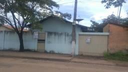 Alugo Casa no Bairro Bom Planalto - 01 Suíte e 02 Quartos - 02 Banheiro - Lavanderia