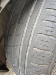 Troco dois pneus 15