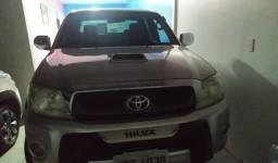 Toyota Hilux 2010 com Multimídia. 2.5 16V