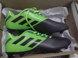 Chuteira Adidas artilheira N° 42/43