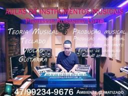 Aula de instrumentos músicas