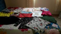 Vende-se roupas usadas semi para meninas de tamanho P até M.