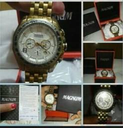 Relógio Magnum dourado. Modelo M32167. Original e a prova d´água.